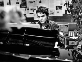 Asen Tanchev ist ein hochbegabter Klavierstudent von Arie Vardi