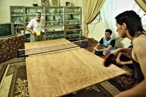Fluechtlingslager, Tischtennis, Haus, Wohnzimmer,